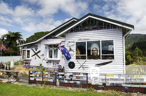 Sehenswürdigkeit Wohnhaus Dekoration ungestüm neuseeländische Südinsel bizarr Neuseeland Ozeanien