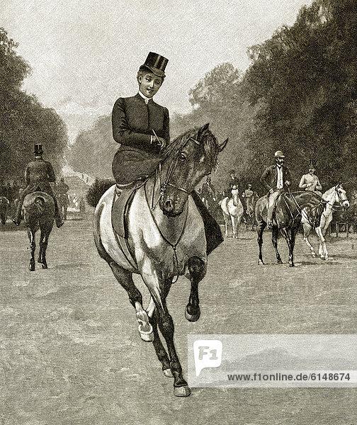 Historische Zeichnung aus England  19. Jahrhundert  eine junge Frau reitet im Damensattel auf einem Pferd in einem englischen Park  um 1881