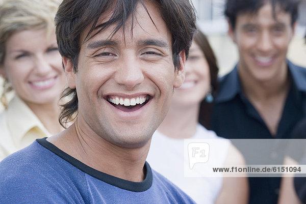 Mann  Freundschaft  lächeln  Hispanier  Hintergrund
