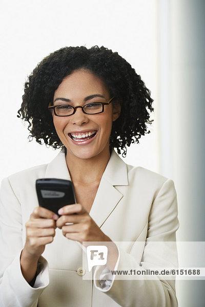 Handy  Geschäftsfrau  sehen