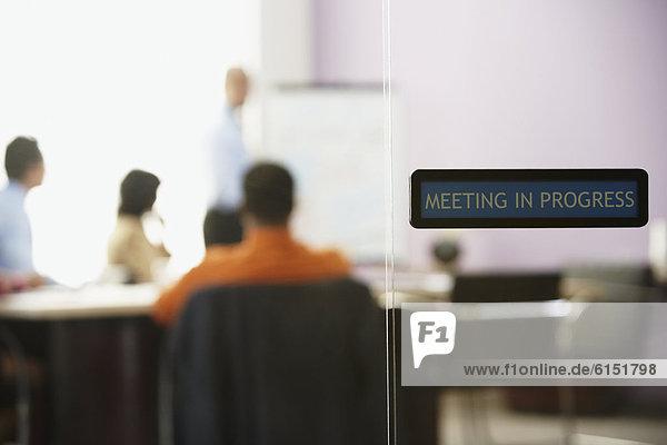 Glas  Tür  Geschäftsbesprechung  Besuch  Treffen  trifft  Ansicht  Business