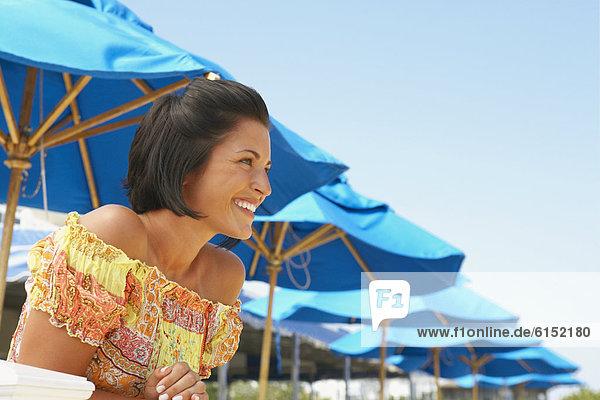 Frau  jung  Kleidung  Sommerkleidung