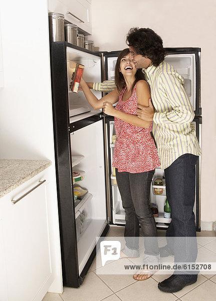 sehen  Hispanier  Kühlschrank