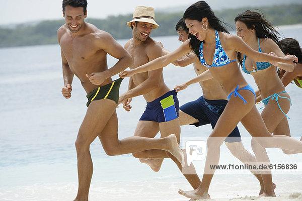 Freundschaft  Strand  Südamerika  spielen