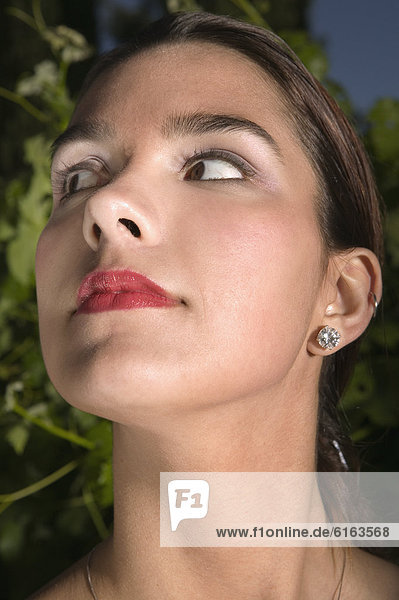 Frau  sehen  Hispanier  Seitenansicht