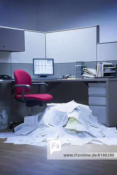 Berg  Papier  Büro