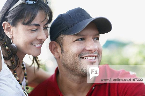 Frau  lächeln  Hispanier  Ehemann