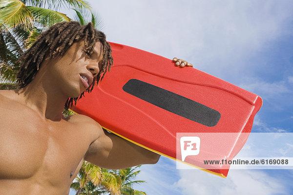 Mann  tragen  fließen  Rettungsschwimmer Mann ,tragen ,fließen ,Rettungsschwimmer