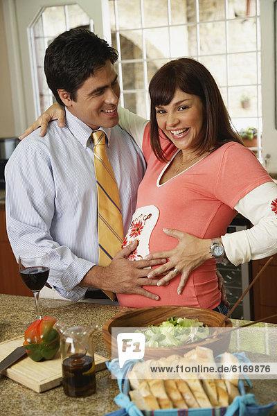 umarmen  Hispanier  Schwangerschaft
