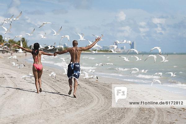 Strand halten multikulturell