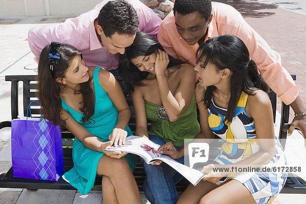 Freundschaft  sehen  Zeitschrift  multikulturell Freundschaft ,sehen ,Zeitschrift ,multikulturell