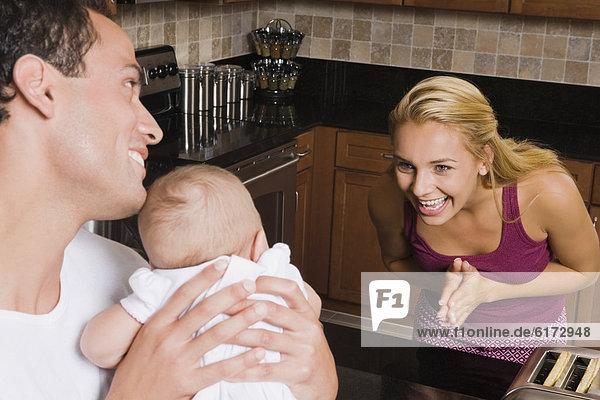 lächeln  Hispanier  Mutter - Mensch  Baby lächeln ,Hispanier ,Mutter - Mensch ,Baby