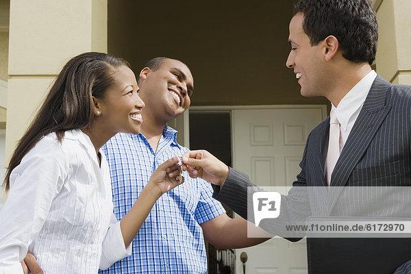 geben Wohngebäude Hispanier Natürlichkeit Hausschlüssel