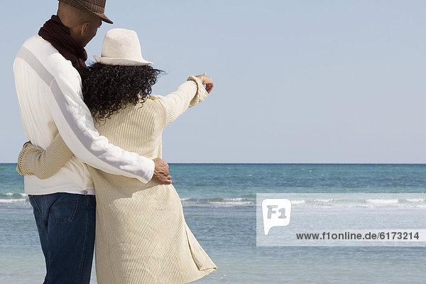 umarmen  zeigen  Strand  multikulturell umarmen ,zeigen ,Strand ,multikulturell