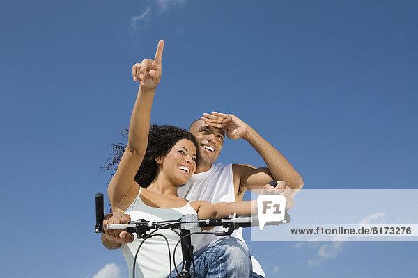 sitzend  Fahrrad  Rad  multikulturell