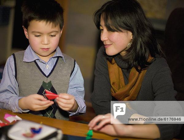 Sohn  Produktion  Mutter - Mensch  Origami