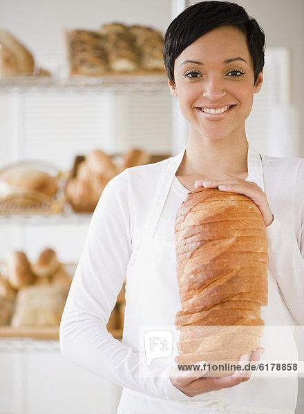 Frau  Brot  halten  mischen  Bäckerei  Mixed