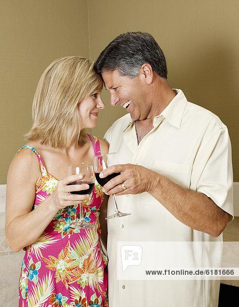 Europäer  Wein  rot  trinken