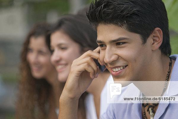 Handy  Mann  sprechen  Freundschaft  Hispanier  Hintergrund