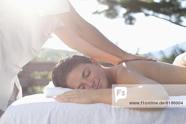 Frau Massage