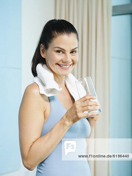 Wasser  Frau  mischen  trinken  Mixed