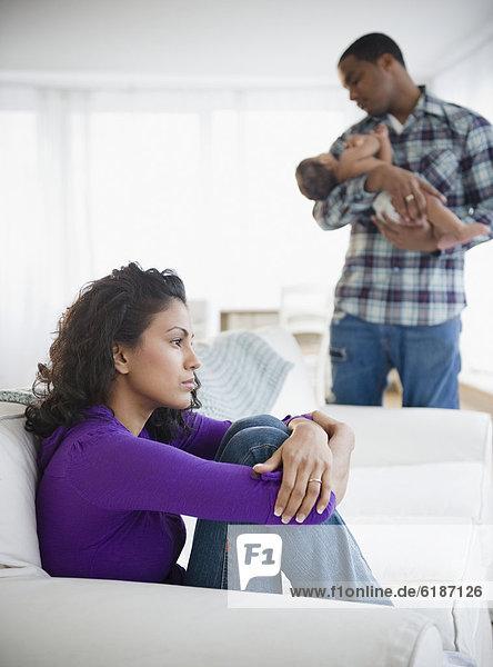 Menschlicher Vater  Depression  halten  Hintergrund  Mutter - Mensch  Baby