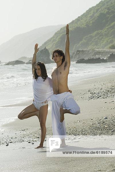 Strand  Hispanier  Yoga