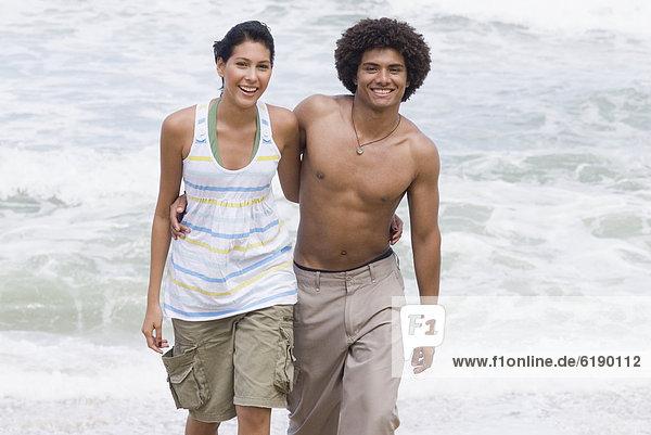 gehen  Strand  multikulturell