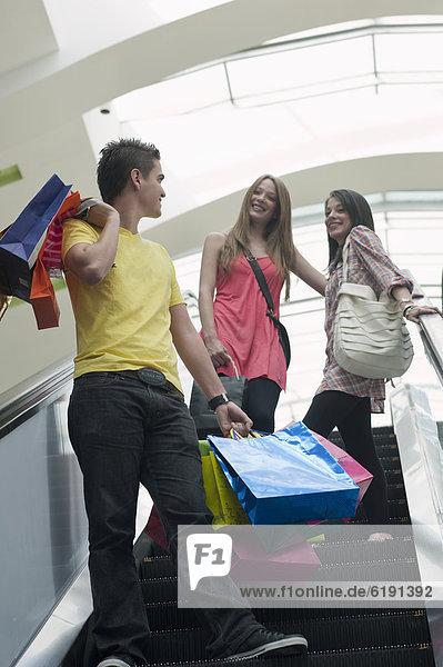Rolltreppe  Freundschaft  Tasche  Hispanier  kaufen