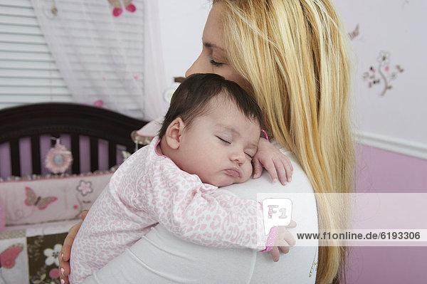 Hispanier  halten  Tochter  Mutter - Mensch  Baby