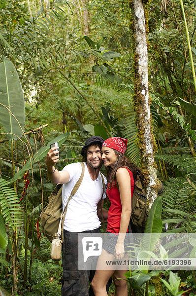 sprechen  Hispanier  Wald  Selbstportrait