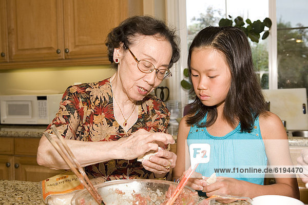 kochen  chinesisch  Enkeltochter  Großmutter