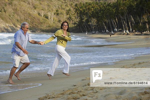 Strand  Hispanier  halten