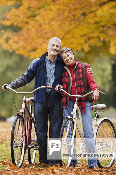 stehend  Herbst  Fahrrad  Rad