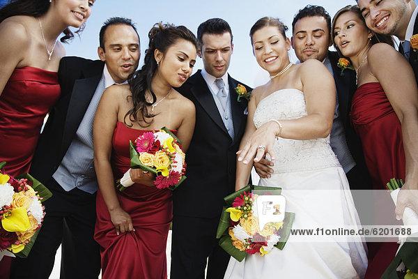 niedrig Braut Party Ansicht Flachwinkelansicht multikulturell Winkel