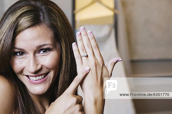 zeigen  Braut  klingeln