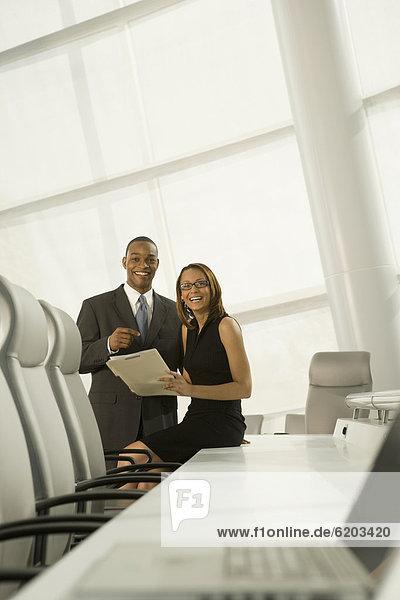 Mensch  Pose  Geschäftsbesprechung  Menschen  Zimmer  Business  Konferenz