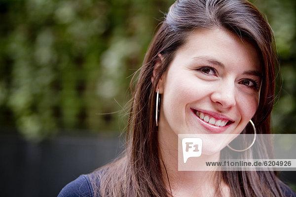 Lächelnd Hispanic woman