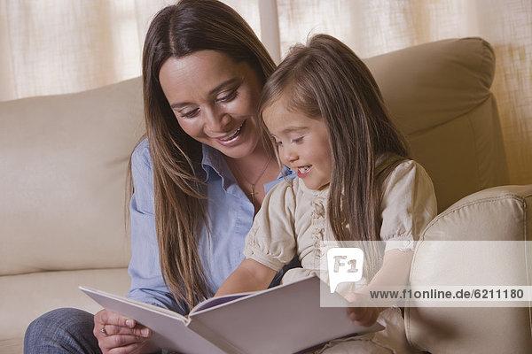 Buch  Tochter  Chillipulver  Chilli  Taschenbuch  Mutter - Mensch  vorlesen