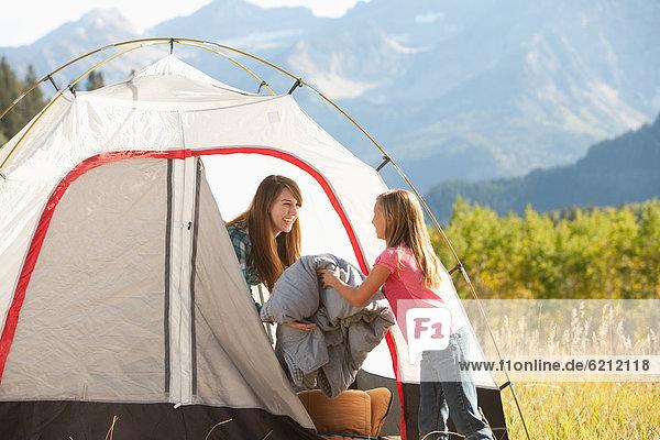 Europäer  camping  Tochter  Mutter - Mensch