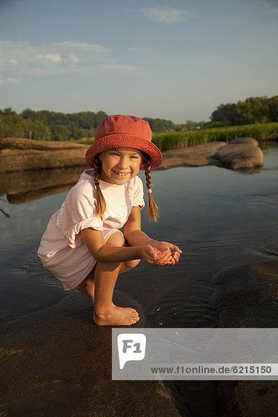 Wasser  schöpfen  Fluss  amerikanisch  Mädchen