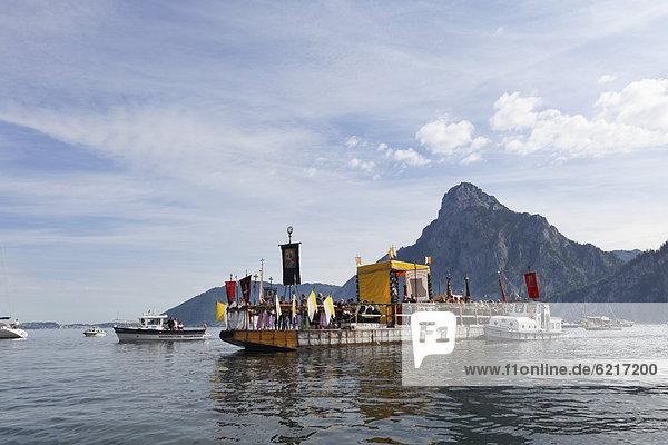 Corpus Christi procession on Traunsee lake  Traunkirchen  Mt Traunstein  Salzkammergut region  Upper Austria  Austria  Europe