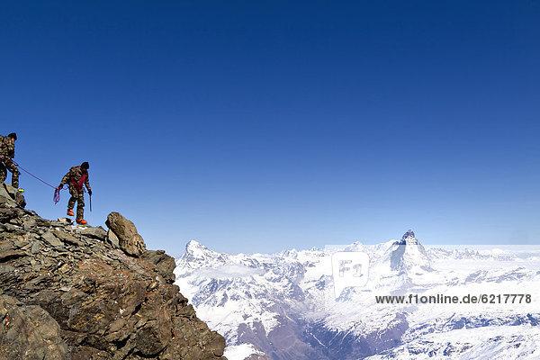 Matterhorn  gesehen beim Aufstieg zum Rimpfischhorn  Kanton Wallis  Schweiz  Europa
