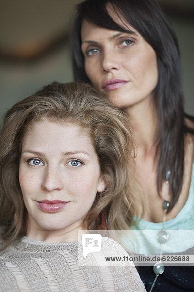 Porträt einer Frau mit ihrer Mutter
