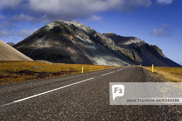 Ringstraße  Berge  Ostfjorde  Island  Europa