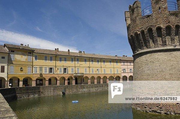 Europa  Palast  Schloß  Schlösser  Jahrhundert  Emilia-Romangna  Italien