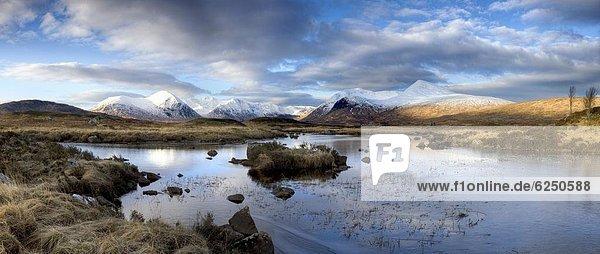 Panorama  durchsichtig  transparent  transparente  transparentes  Europa  Berg  Winter  bedecken  Morgen  Großbritannien  schwarz  Highlands  Ansicht  Gebirgszug  0  Schottland  Schnee