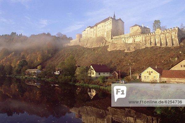 hinter  Europa  verstecken  Wand  Palast  Schloß  Schlösser  Tschechische Republik  Tschechien  Gotik  Barock