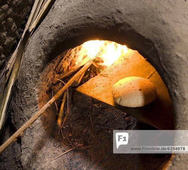 Nordafrika Frische Tradition Brot Stadt Afrika gebacken Lehm Merzouga Marokko
