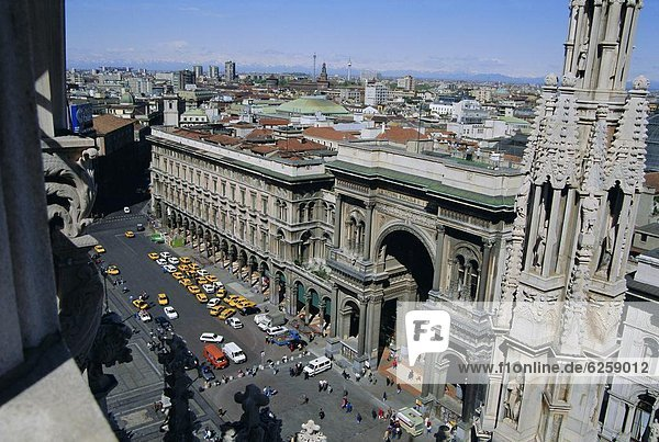 View north west from the roof of the Duomo (cathedral)  Milan  Lombardia (Lombardy)  Italy  Europe